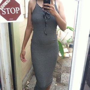 Dresses & Skirts - Stretchy, strappy, stripped dress